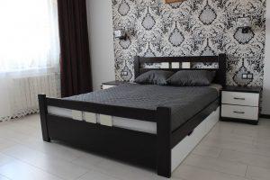 Двоспальне ліжко з масиву бук Геракл з тумбами