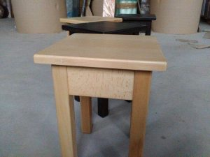Табуретка дерев'яна на кухню замовити